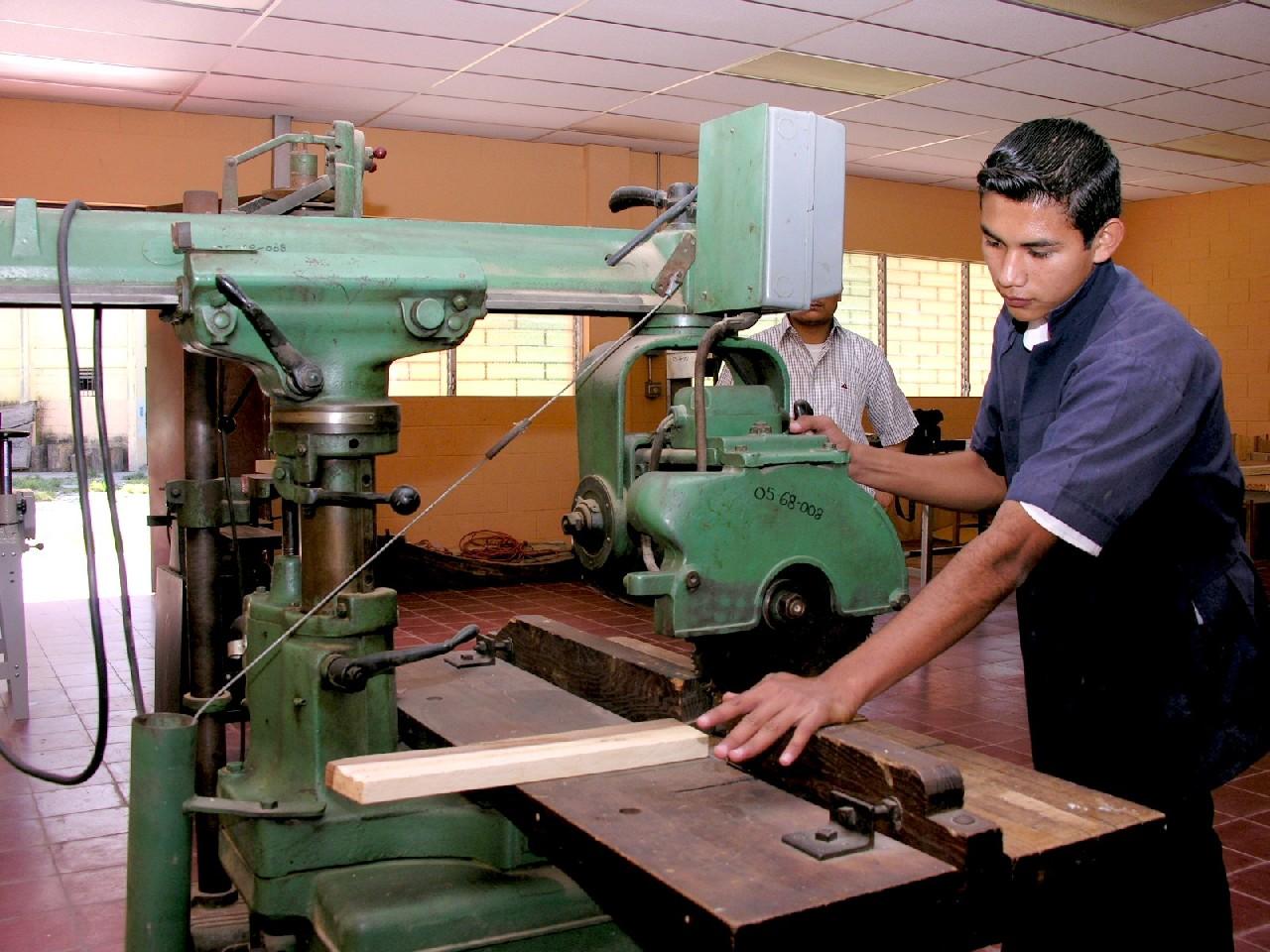 Imagina crea carpinteria for Carpinteria de madera